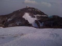 上級コースのゲレンデから撮りました。あともうひと雪欲しいところです