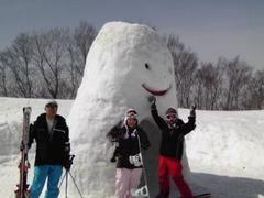 1日目 晴れ 2日目 吹雪? 3日目 晴れ  なかなか グッドコンディションで 楽しいスキーでした。