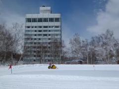 水上エリアの一番奥にあるスキー場です。降雪量が多く、パウダーに当たる確率が高いです。スキー場までは凍結路が多いですが、その分空いていてオススメのゲレンデです。