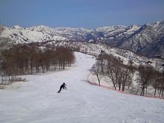 春雪を楽しめる人にだけお勧めできるスキー場と言えば分かりやすいか。