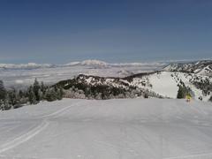 何度もここに来ていますが、素晴らしい絶景に見とれてしまいました。 この冬は、週末毎んぽ天気に恵まれ、素敵な時間を過ごせました。 GW迄続きますように。