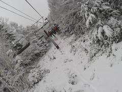 先週に引き続き、ヤケビ。日曜は、この時期に不似合いな気温で、雪解けを気にしながら滑走。イブの月曜は、新雪でバッチリなコンディション。さあ、今シーズン本番!