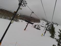 今シーズン、初高天ヶ原。よく見ると積雪は少なめなのに気付いた。でも滑走には、何の問題もなく、いつものいい雪で楽しませてもらいました。感謝!